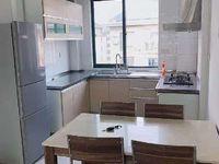 景湖理想城复试楼4室2厅包2卫 精装修拎就住 2000/月