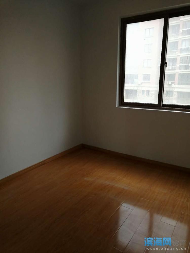 出租中央花园电梯3楼3室2厅1卫122平米1666元/月住宅