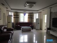 出售碧水绿都3室2厅1卫134.42平米住宅,轿车库,满五唯一。