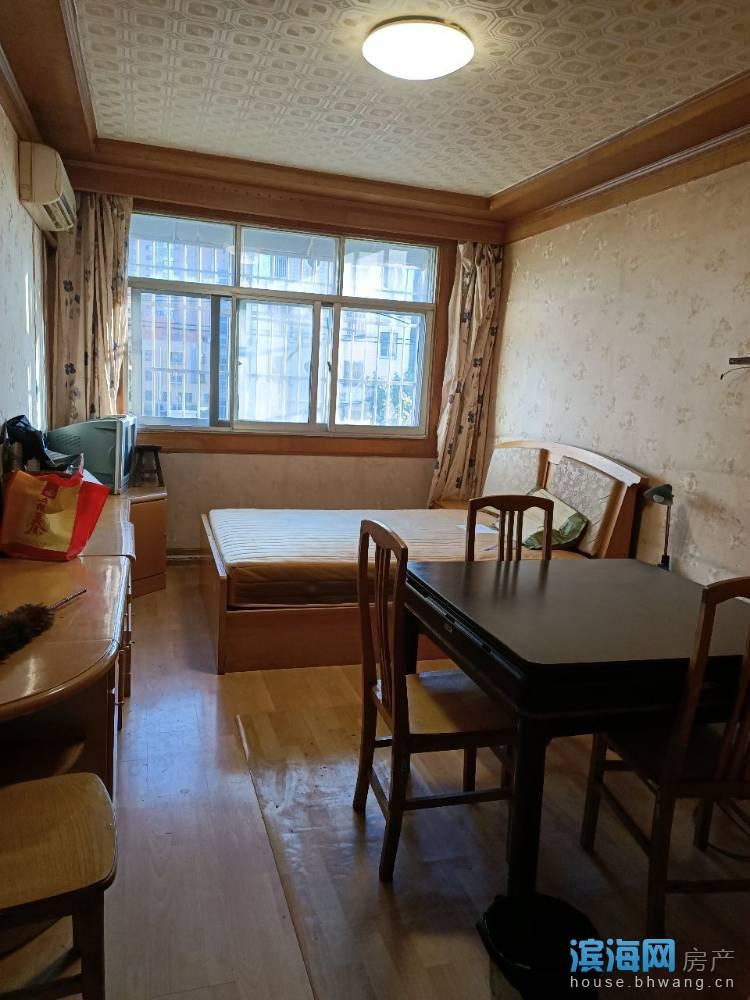 出租其他小区3室2厅1卫110平米1300元/月住宅