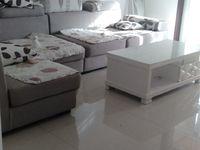 龙泰御景湾两房低价出租 1300一月 全新家具精品装修 拎包即住 只租半年