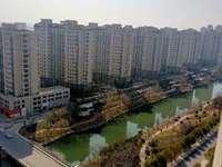万锦豪庭,湖景房,精装修86平,家电齐全拎包入住,售价78.8万