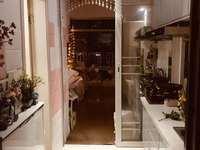 出售鑫鼎国际单身公寓,精装修,房东包税