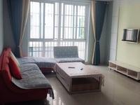 凤鸣半岛:99平,精装两室,买房送车库,仅售76.8万