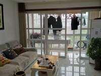 急售龙泰龙泰御景湾 精装三室二厅 采光好 位置佳 家电齐全 送自行车车库