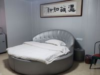 出租新时代1室1厅1卫56平米1300元/月住宅