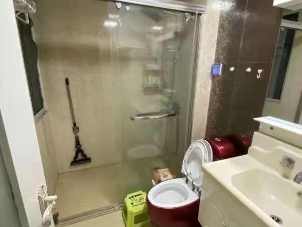 出售水韵新城6楼,证齐全,精装,面积120.98,送车库,售价126.8万