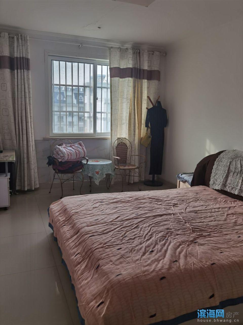 出租碧水绿都5室2厅2卫137平米2000元/月住宅