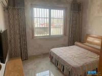 电梯房 高档小区 温馨2居室 装修清爽 87平米 96.8万 有车库