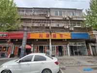 出售阜东路180平米82万商铺
