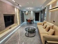 悦府黄金楼层上首房,面积131平三室两厅两卫,有车库车位售价163.8万!