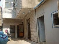 出售二实小巷内独家独院楼上下精装5室2厅2卫200平米72.8万住宅